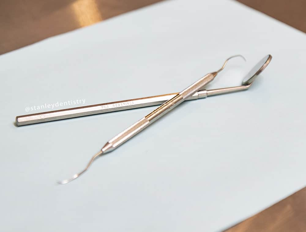 tools used by dentists for cleaning teeth